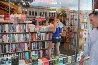 Biblioteka, księgarnia
